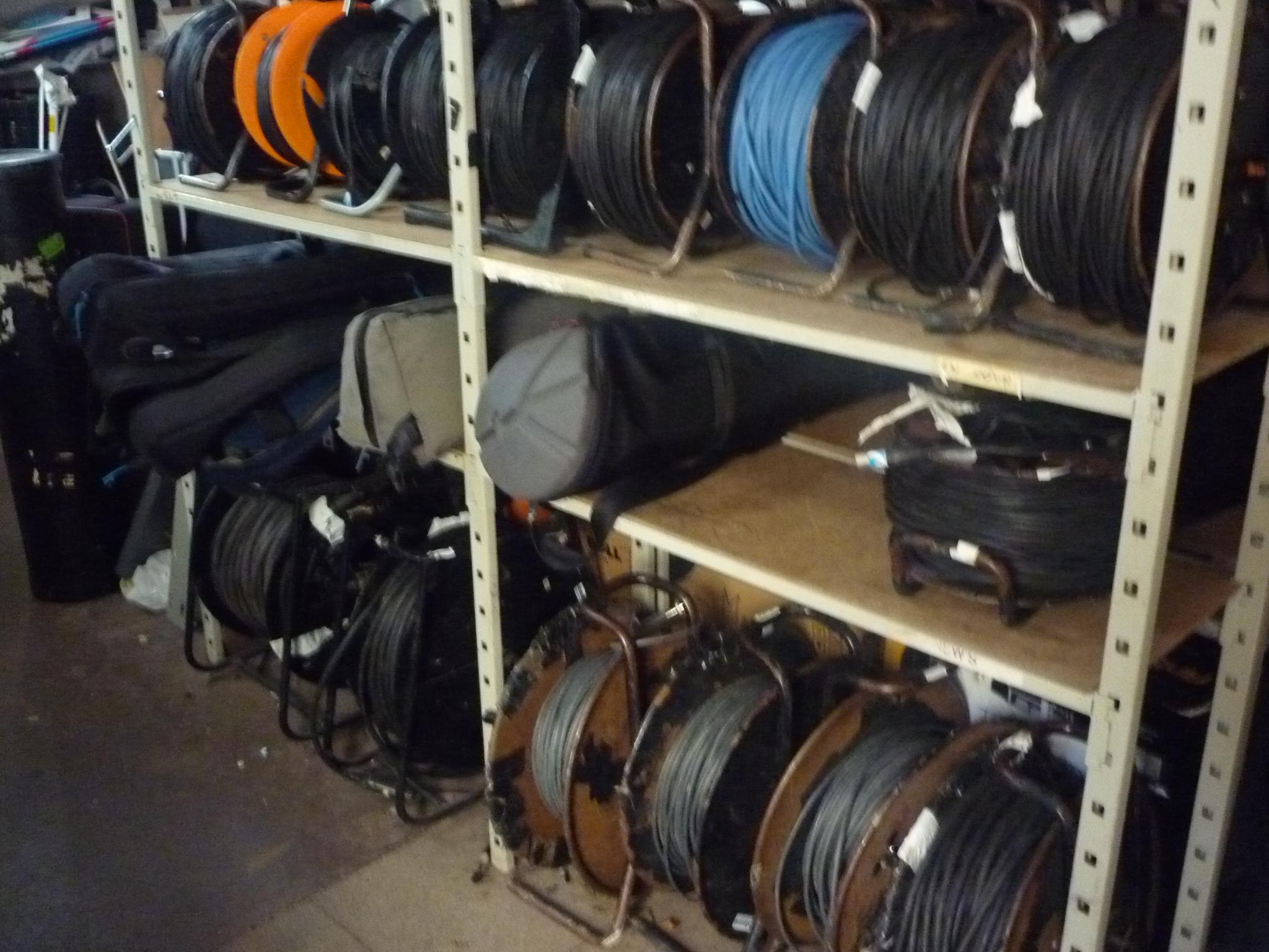 Des câbles, des câbles, des câbles !